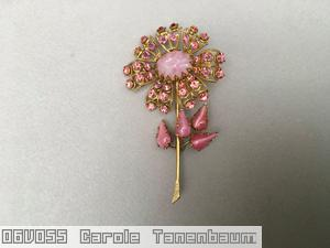 Schreiner long stem daisy flower 7 lace petal large oval center 4 leaf moonglow pink marbled pin ice pink goldtone jewelry