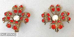 Schreiner 4 lace petal radiating earring chaton center coral inverted stone moonglow white chaton center goldtone jewelry